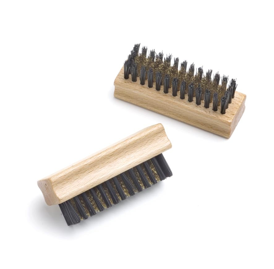 Suede brush with a synthetic bristle-row
