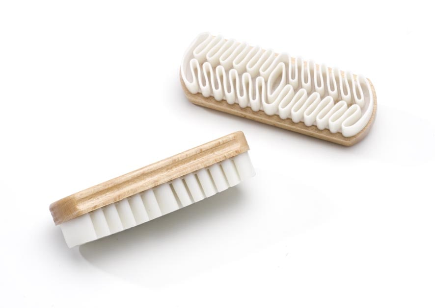 Nubuck brush with rubber crepe